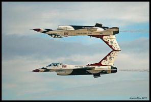 Thunderbirds Mirror Pass by AirshowDave