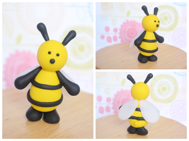Cute Bee Cake Topper - Handmade Polymer Clay Bee by TheLinnypig