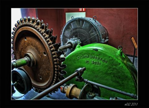 A very old... machine by n0i2