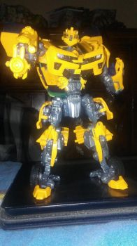 Transformers: Ready to sting like a bee by JorgeCaptain1998