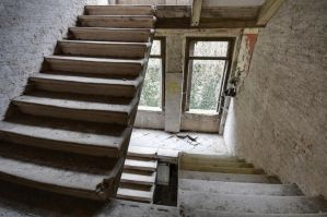 Abandoned villa - Stairs by ExaVolt