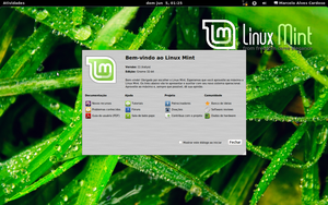 Gnome 3 in Linux Mint by malvescardoso