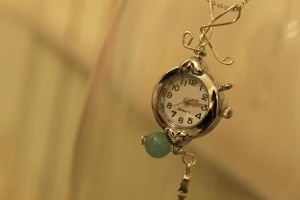 Time is running by Ming-Shuw
