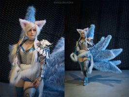 Ice Ahri by Daraya cosplay by Daraya-crafts