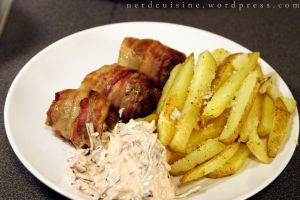 Bacon wrapped patties with taters and pink slaw by oskila