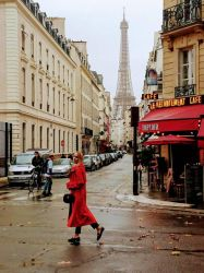 Lady in Red in Paris  by Monomakh