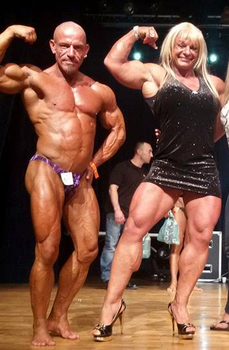 Female guest poser outmuscles male BB champ by supreme006