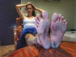 Soles of a barefoot tourist #01 by jorahtheandal2015
