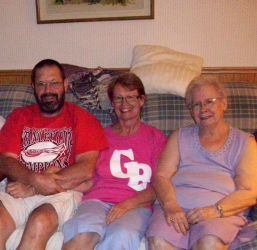 Marty, Linda and Mom by Joilieder