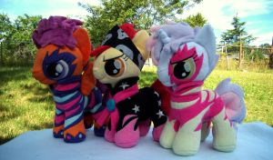 Show Stoppers! by fireflytwinkletoes