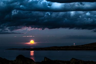 A Skerries Moonrise by DanielGeesen