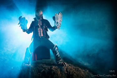 Showtime SSS - Dante Devil May Cry 3 Cosplay by LC by LeonChiroCosplayArt