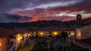 cusco by night by valentinous