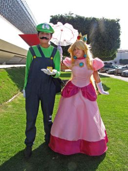 Princess Peach and Luigi Cosplay by heira13