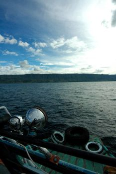 I SEA LAKE TOBA by krystamelia