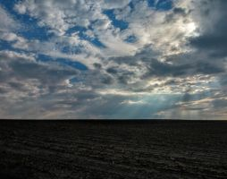 field and horizon by Mittelfranke