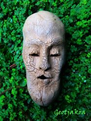 Crackly Dry Face Artifact by Geotjakra