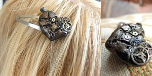 Steamheart hairclip 2 by xNatje