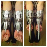 Assassins Creed - Gauntlets by Lilith1985