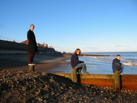 Brothers of Hornsea Beach by fluidhomefront