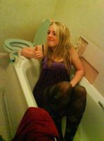Lols in the bath by Beckrns