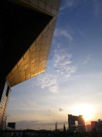 Tokyo Big Sight - Red Sun by Uky0