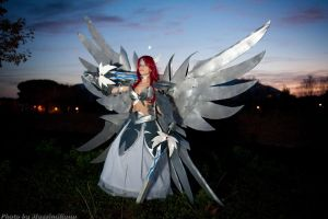Erza Scarlet by KICKAcosplay