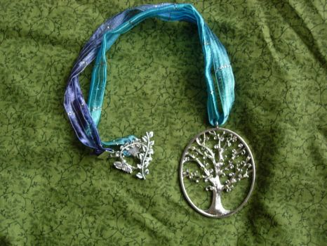 Elven Tree Ribbon Necklace by captjackspeanut