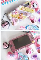 decora mobile phone by DaftDollAlice