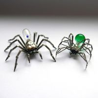 Spiders No 80 and 82, a size comparison by AMechanicalMind
