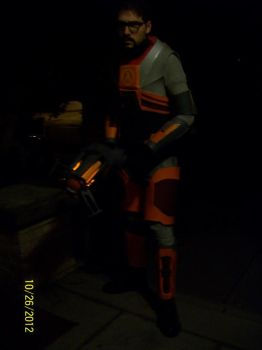 Gordon Freeman full costume by JohnnyMuffintop