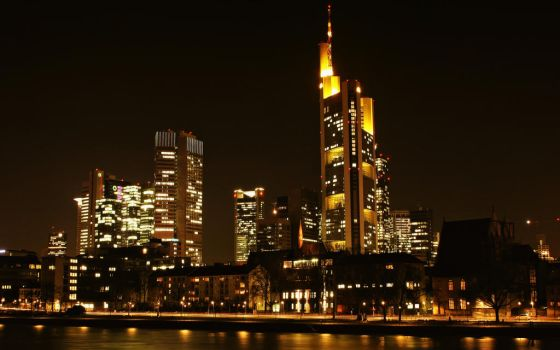 Frankfurt at night_I by deoroller