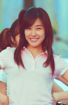 Tiffany eye smile by bevarde