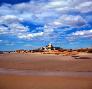 Abandoned House in Punta del Diablo by mpsb