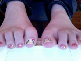 Hello kitty Toes by zetsufan100