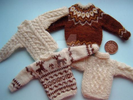 1:12th scale Mens Sweaters by buttercupminiatures
