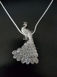 Peacock necklage/pendant by HRK2018