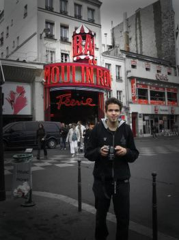 Moulin Rouge by Happyglon