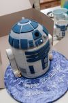 R2D2 cake by greensprout