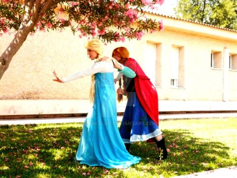 ...Elsa and Anna by darkclau