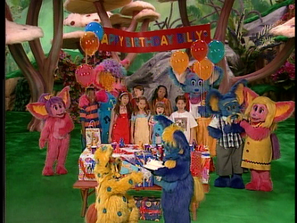 The Kidsongs Cast singing Happy Birthday to Billy by ccarvajalus