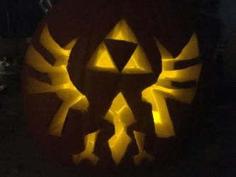 Legend of Zelda Pumpkin Carving .: Lit Up:. by luna-yamaneko