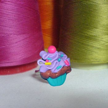 cupcake ring by strictlyhandmade