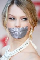 Taylor Swift taped by ikell