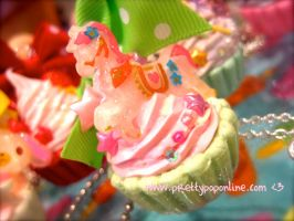 Mint Sparkle Pony Cupcake by prettypop