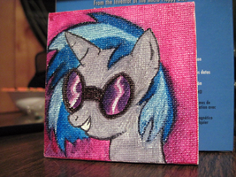 Commission:  Vinyl Scratch by EmmersDrawberry