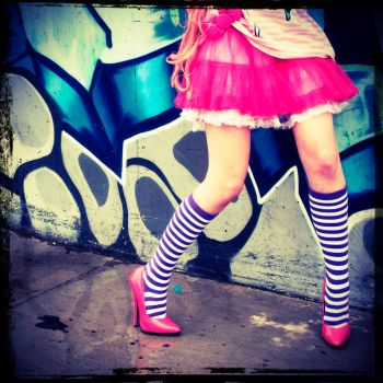 Candy Legs by lariencelebrindal