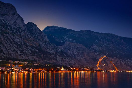Moonshine in Kotor by moohra