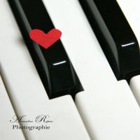 small heart and piano by AmandineRopars