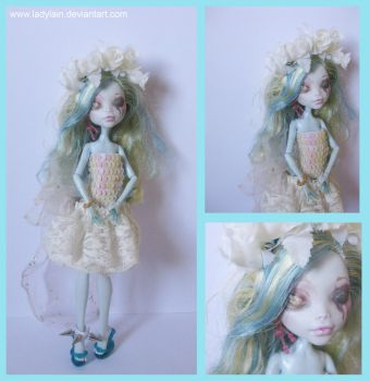 Repainted doll Lagoona by LaDyLaIn